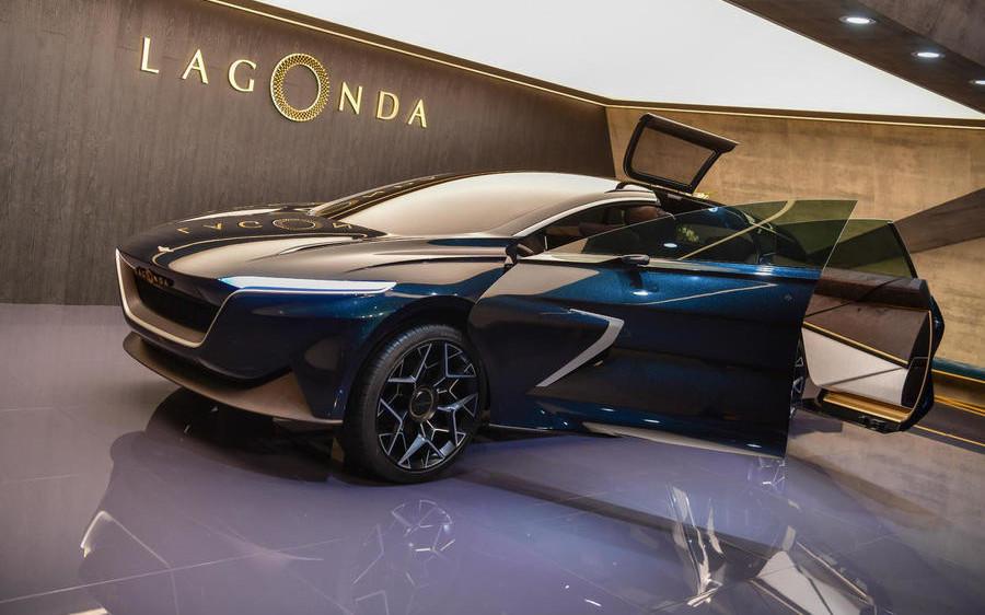 Comparison Lamborghini Urus 2019 Vs Aston Martin Lagonda Ev 2021 Suv Drive