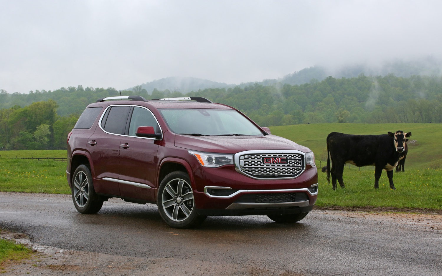 Comparison Gmc Acadia Sle 2 2018 Vs Toyota