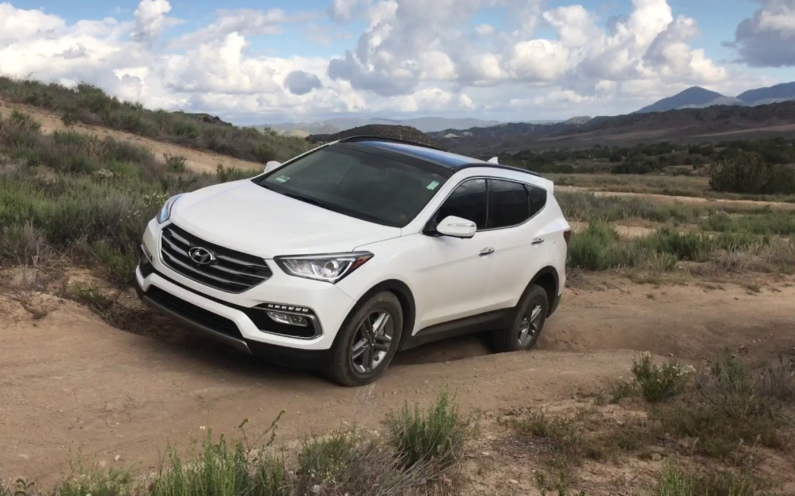 Comparison - Hyundai Santa Fe Limited Ultimate 2017 - vs ...