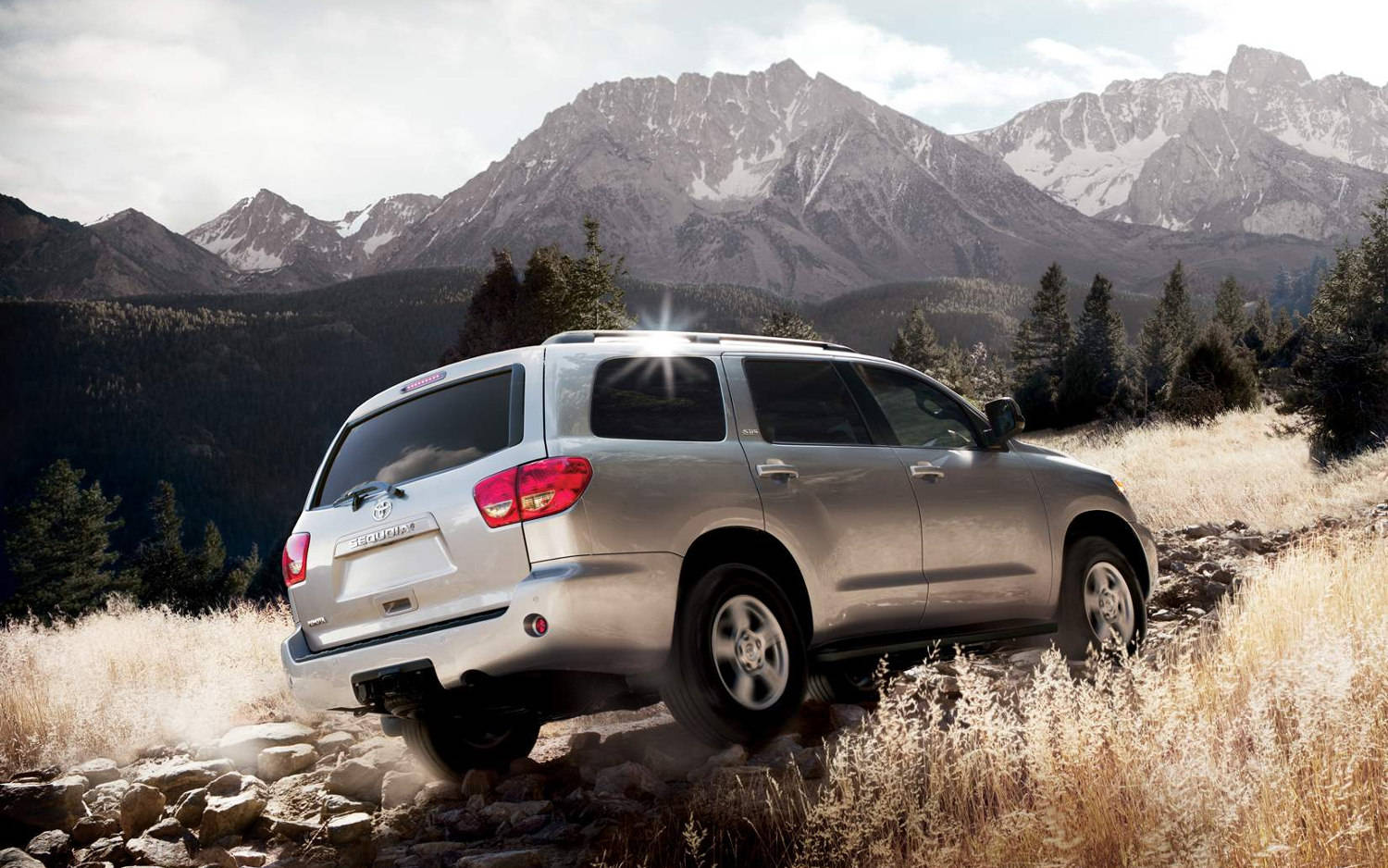 parison Toyota Sequoia Limited 2015 vs Toyota