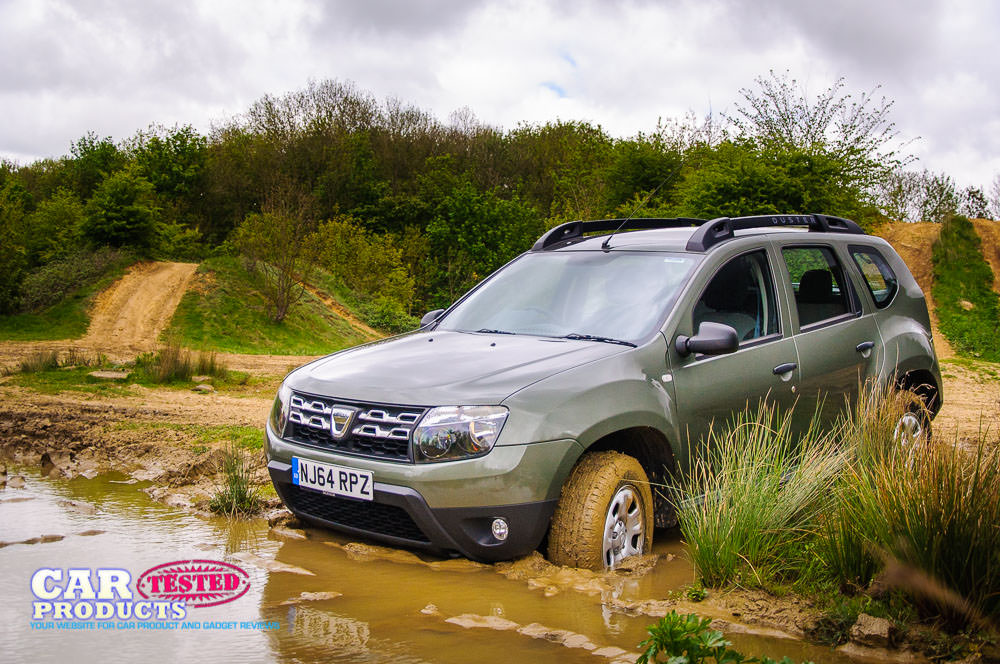 comparison dacia duster 2015 4x2 vs daihatsu terios 7 seater 2015 suv drive. Black Bedroom Furniture Sets. Home Design Ideas