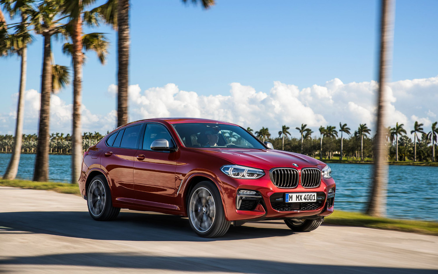 Comparison Bmw X4 M40i 2019 Vs Audi Q8 Hybrid 2018 Suv Drive
