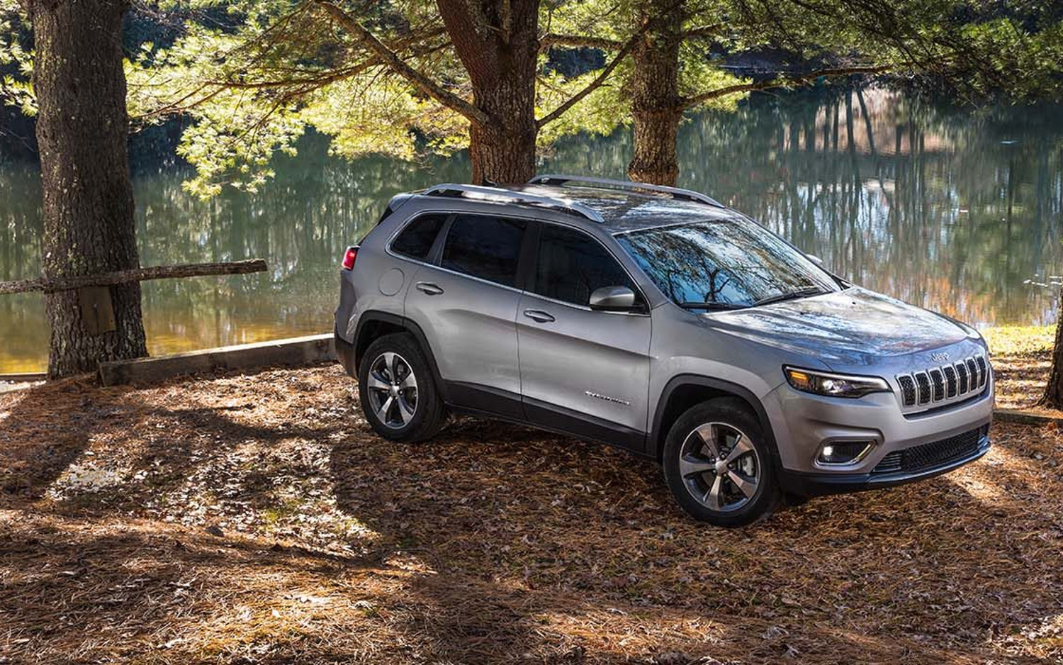 2019 Jeep Cherokee: Prettier And Turbocharged >> Comparison Jeep Cherokee Limited 2019 Vs Volvo Xc40 T5 2019