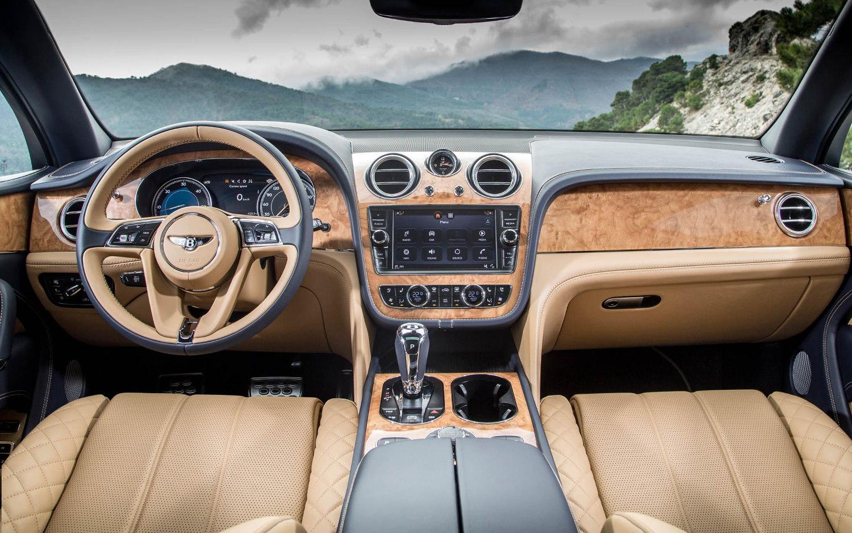 Comparison Skoda Karoq 4 215 4 2018 Vs Bentley Bentayga