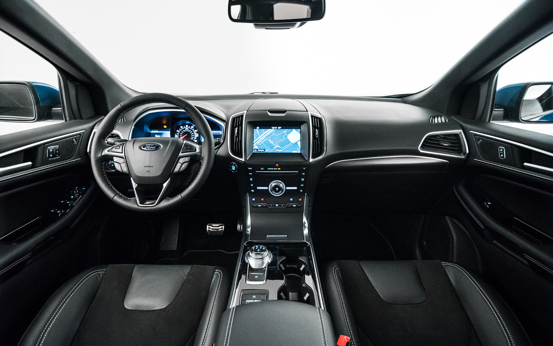 comparison ford edge titanium 2019 vs jeep cherokee. Black Bedroom Furniture Sets. Home Design Ideas