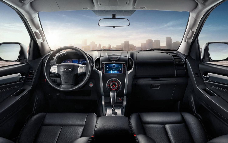 Toyota Suv Names >> Comparison - Ford Everest Titanium 2017 - vs - ISUZU MU-X ...