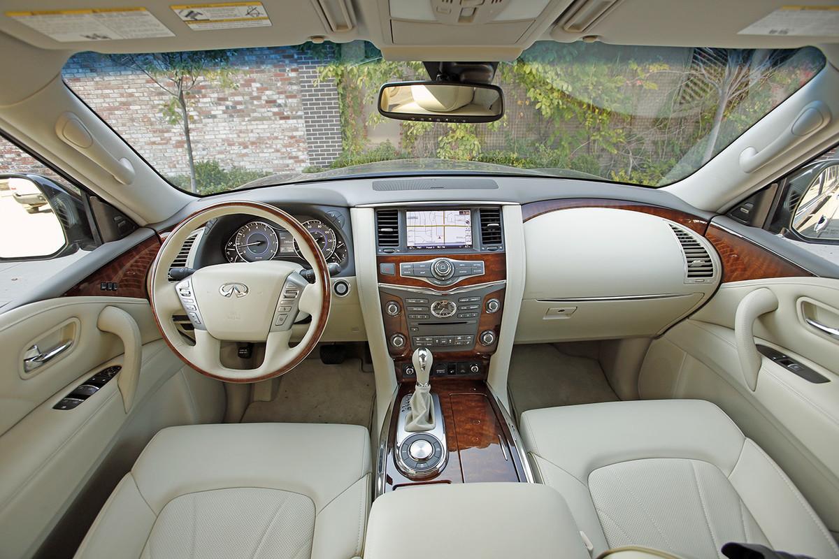 2016 Cadillac Escalade Interior >> Comparison - Infiniti QX80 Base 2015 - vs - Cadillac Escalade ESV Luxury 2015 | SUV Drive