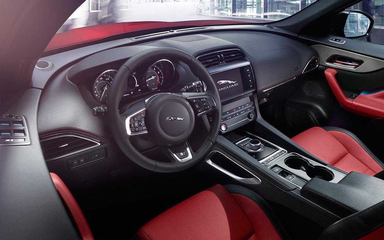 Comparison Jaguar F Pace R Sport 2018 Vs Peugeot 5008 Gt Line 2019 Suv Drive
