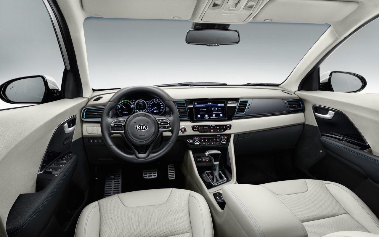 Comparison Subaru Viziv 7 Concept Ascent 2018 Vs Kia Niro Hybrid 2017 Suv Drive