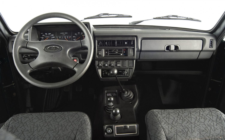 Comparison Lada Xray Cross 2017 Vs Lada Niva 4x4 2017 Suv Drive