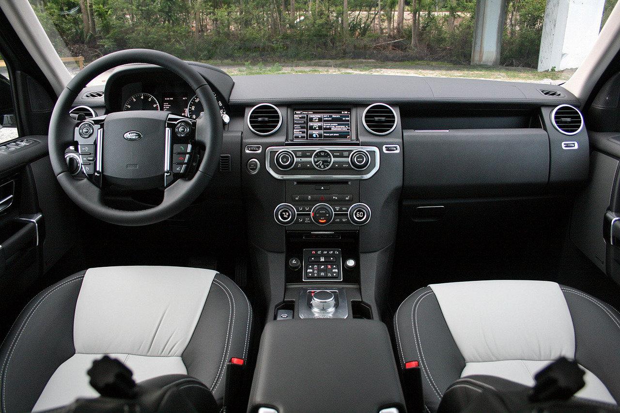 Comparison Land Rover Lr4 Suv 2015 Vs Toyota Land