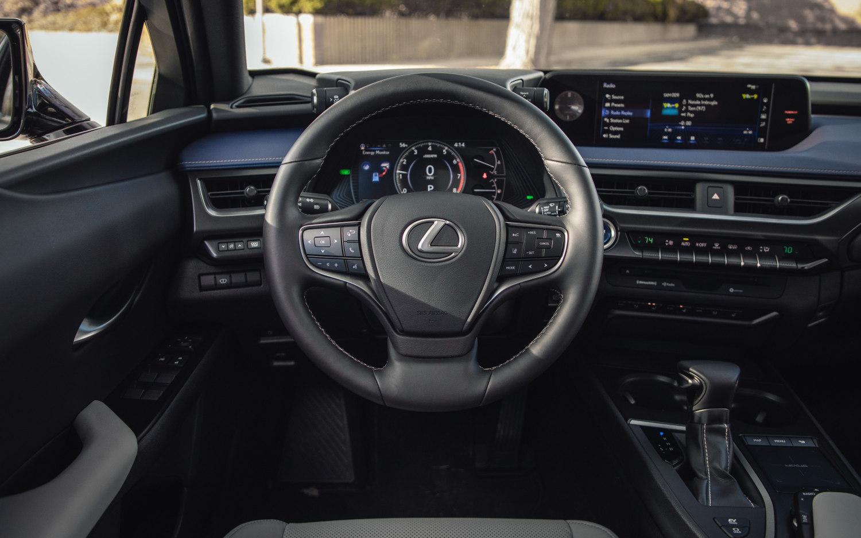 Toyota Suv Names >> Comparison - Toyota Corolla XLE 2019 - vs - Lexus UX 250h 2019 | SUV Drive