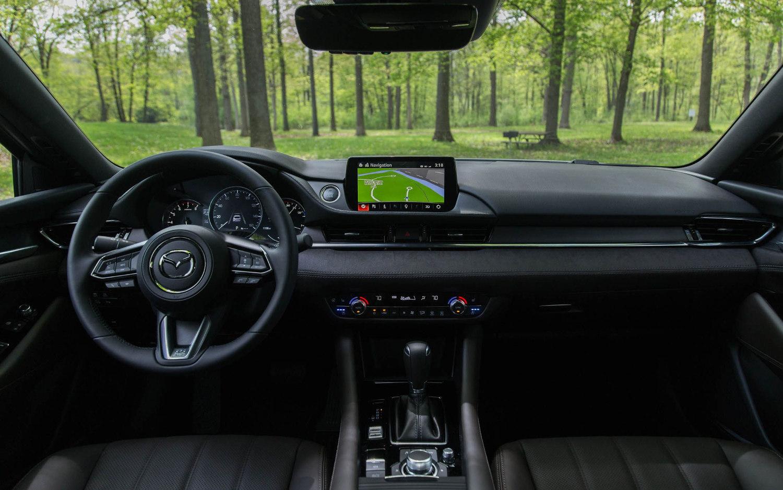 Toyota Suv Names >> Comparison - Mazda 6 Touring 2018 - vs - Chrysler 300 Touring 2019 | SUV Drive