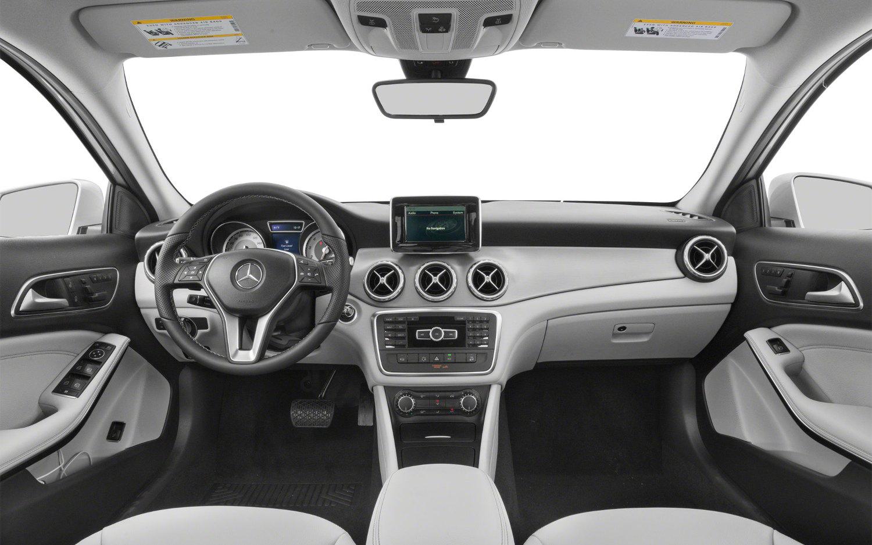 Comparison mercedes benz gla class amg gla45 4matic 2017 for Mercedes benz gla class interior