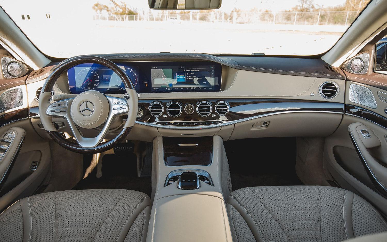Comparison Bmw 7 Series 750i Xdrive 2018 Vs Mercedes