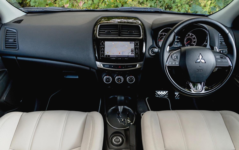 Comparison - Mitsubishi ASX XLS 2017 - vs - Alfa Romeo ...