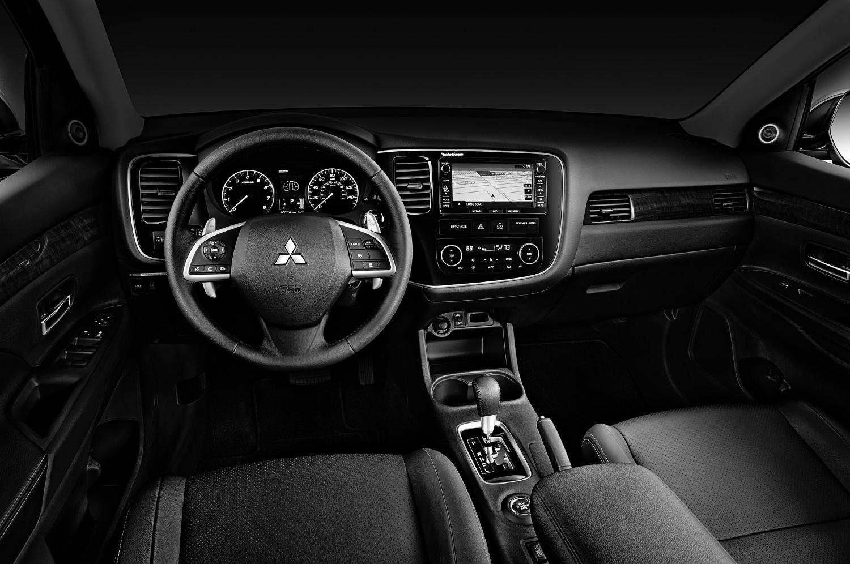 Comparison Mitsubishi Outlander Gt 2015 Vs Nissan