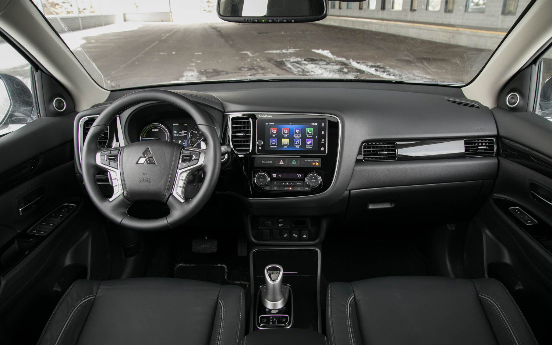 Nissan Rogue 7 Seater >> Comparison - Mitsubishi Outlander PHEV GT 2018 - vs ...