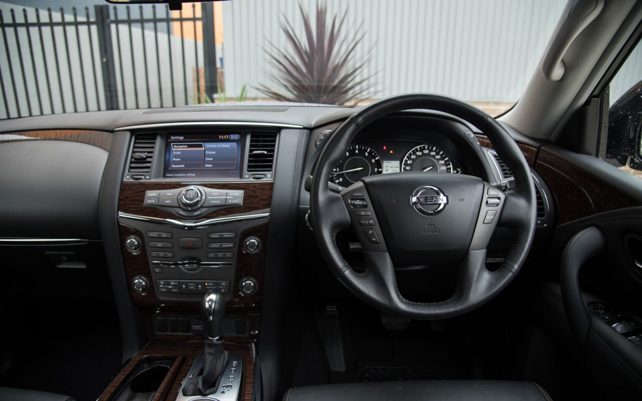 Comparison - Lexus GX 460 Luxury 2015 - vs - Nissan Patrol ...
