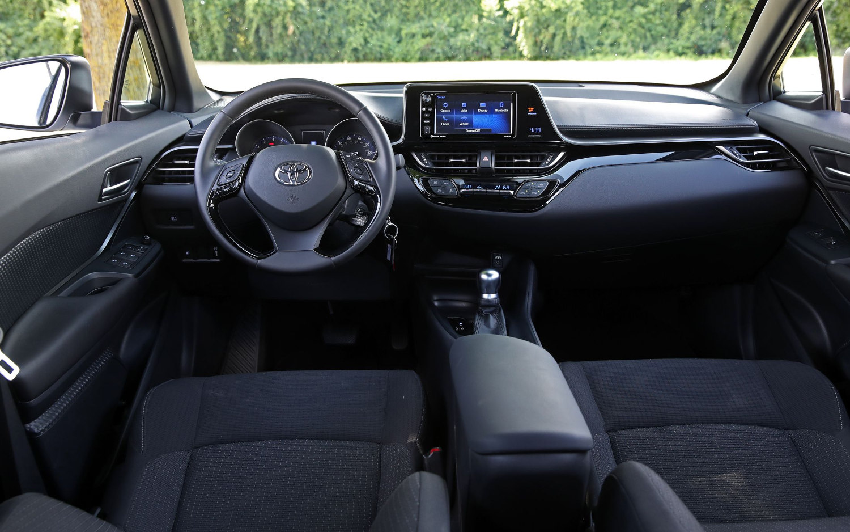Comparison - Toyota CHR Limited 2019 - vs - Buick Encore GX 2020   SUV Drive