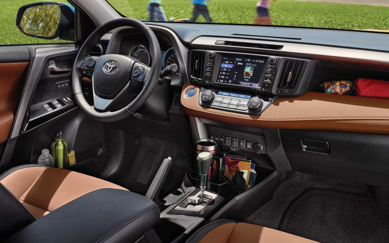 Comparison Toyota Rav4 Se 2017 Vs Jeep Renegade 2017 Deserthawk Suv Drive