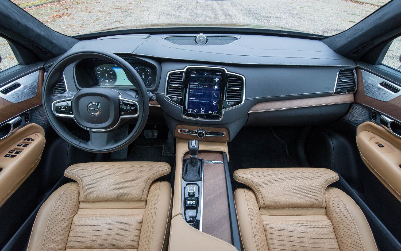 Comparison Volvo Xc90 T8 Excellence Twin Engine Hybrid 2018 Vs