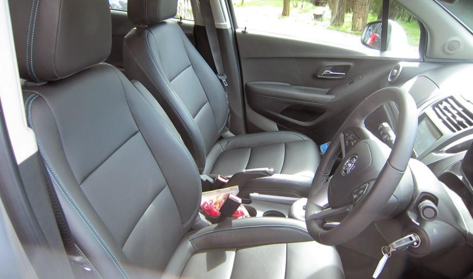 Comparison Holden Trax Ltz 2015 Vs Bmw X6 Xdrive50i