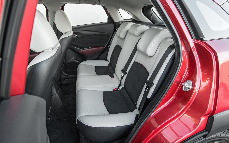 Comparison - Mazda CX-3 Grand Touring 2017 - vs - Ford Edge Sport ...