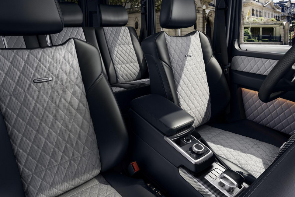 Comparison mercedes benz g class 2016 vs cadillac for 2017 mercedes benz g550 interior