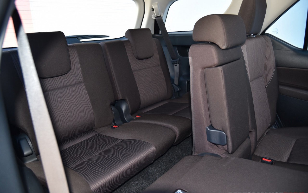 Seats Toyota Fortuner Crusade