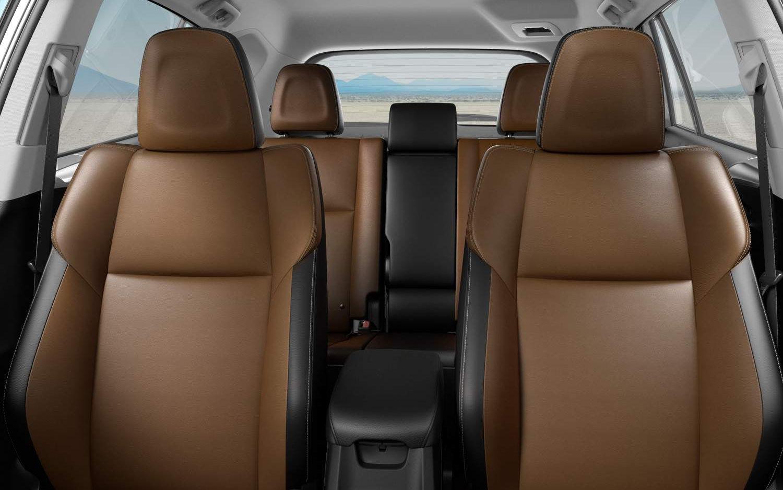 Comparison Toyota Rav4 Se 2017 Vs Hyundai Santa Fe Gls 2016 Suv Drive