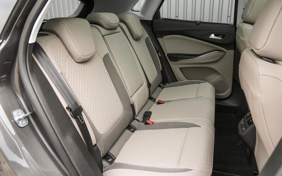 Vauxhall Grandland X Elite 2018 Suv Drive