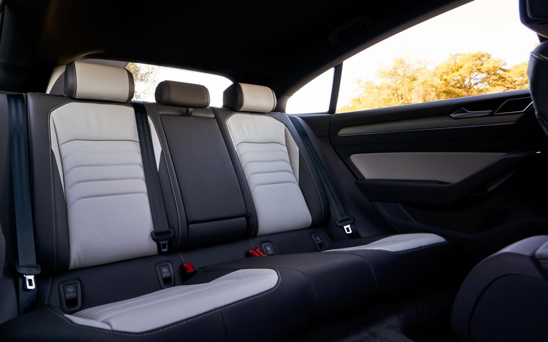 Comparison Seat Arona Fr 2018 Vs Volkswagen Arteon R Line 2019 Suv Drive