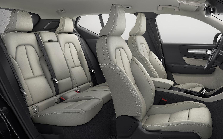 Comparison Volvo Xc40 T5 2018 Vs Honda Cr V Touring
