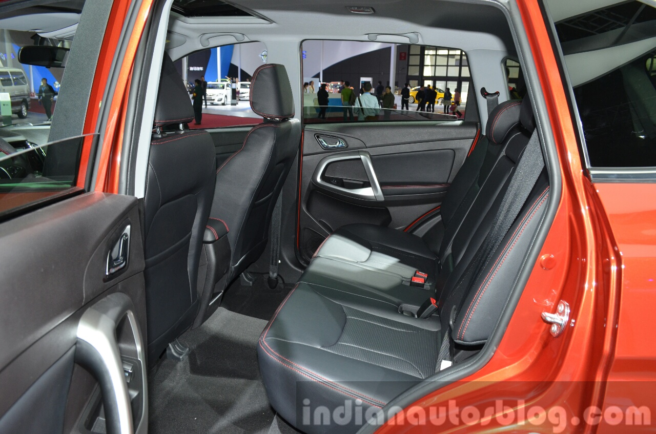 Comparison - Honda HR-V 2016 - vs - Chery Tiggo 5 2015 ...