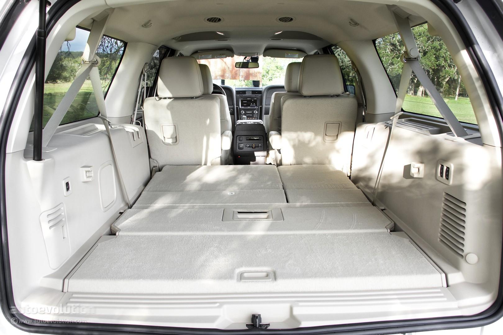 Comparison Lincoln Navigator Suv 2015 Vs Nissan