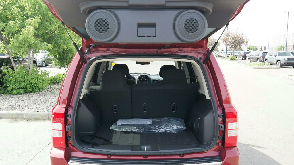 chevrolet traverse fuel tank capacity 2016 2017. Black Bedroom Furniture Sets. Home Design Ideas