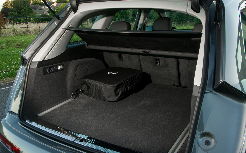 7 Seater Suv 2017 >> Audi Q7 e-tron quattro Hybrid 2018 | SUV Drive