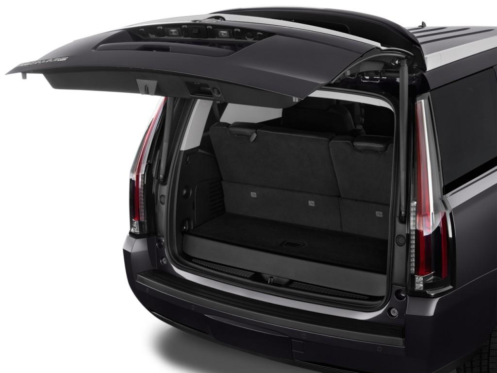 Cadillac Escalade ESV Luxury 2016 | SUV Drive