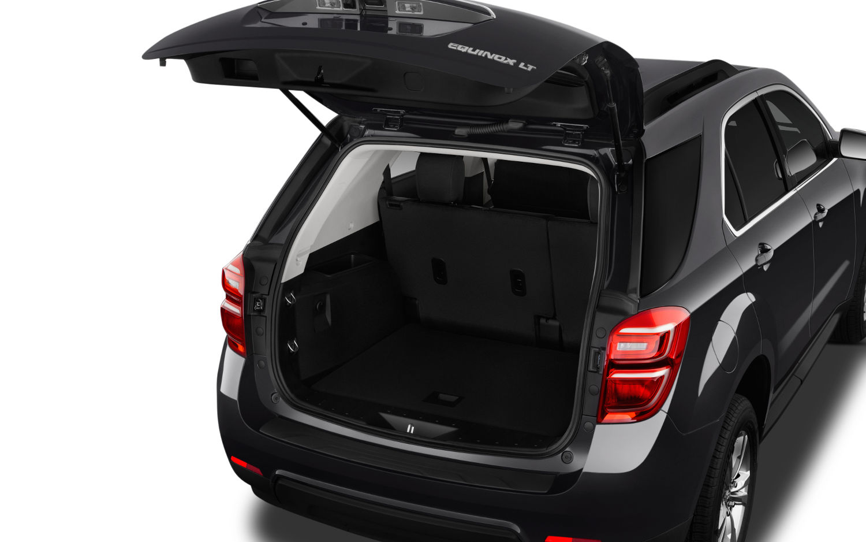 Comparison Chevrolet Equinox Premier 2017 Vs Chevrolet Traverse High Country 2018 Suv Drive