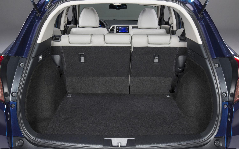 comparison honda vezel hybrid z 2016 vs toyota c hr hybrid 2017 suv drive. Black Bedroom Furniture Sets. Home Design Ideas