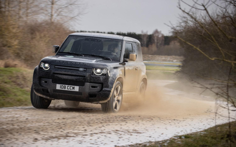 Comparison - Land Rover Defender 110 V8 2022 - vs - Land ...
