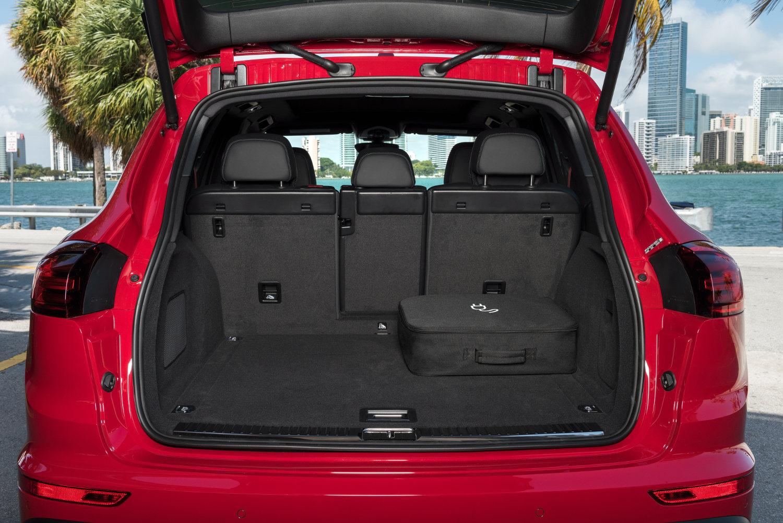 Porsche Cayenne S E-Hybrid 2015 | SUV Drive