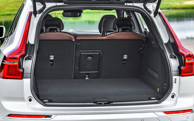 Range Rover Evoque Review >> Comparison - Volvo XC60 T8 Hybrid 2018 - vs - Volvo XC40 T5 2019 | SUV Drive