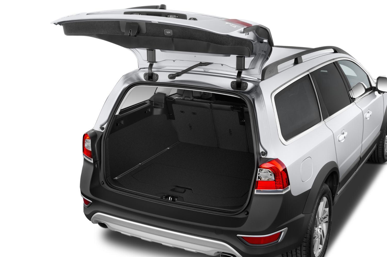 comparison ford edge sport 2016 vs volvo xc70 t5 platinum 2016 suv drive. Black Bedroom Furniture Sets. Home Design Ideas