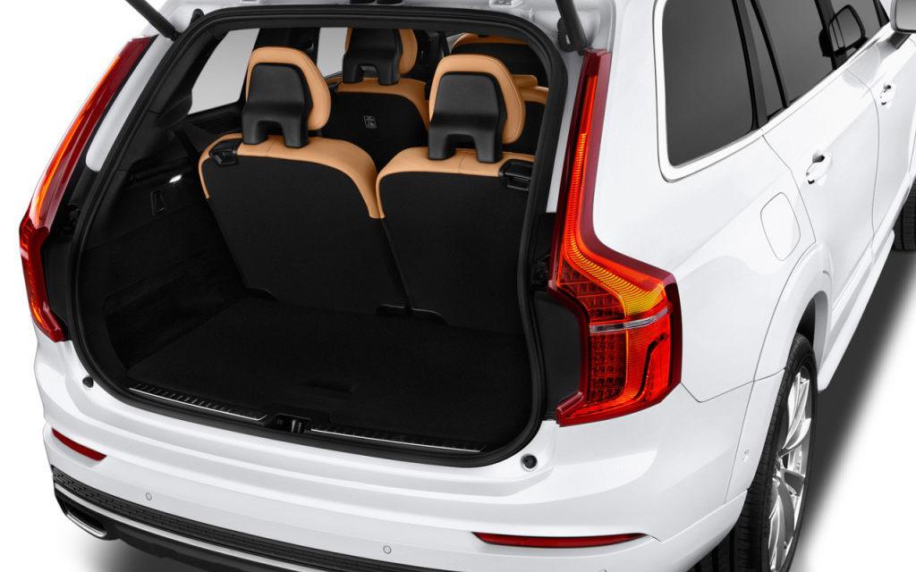 comparison ford explorer sport 2017 vs volvo xc90 hybrid t8 r design 2017 suv drive. Black Bedroom Furniture Sets. Home Design Ideas