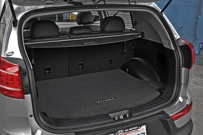 Toyota Corolla Lease >> Comparison - Kia Sportage SX SUV 2015 - vs - BYD S6 2015 ...