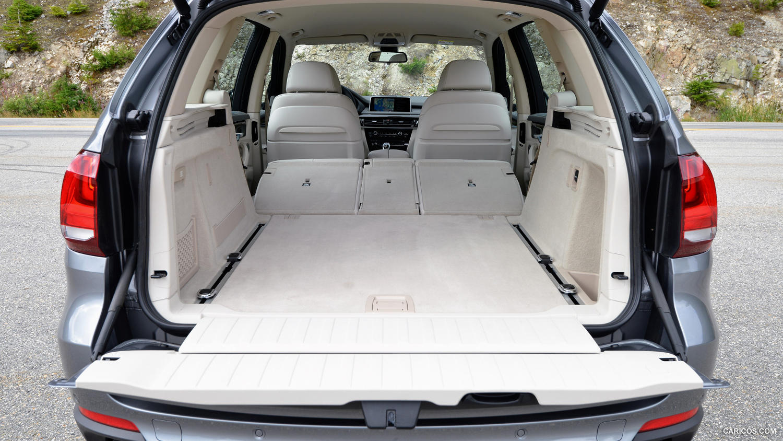 Comparison - Volkswagen Atlas SEL 2018 - vs - BMW X5 xDrive50i 2015 | SUV Drive