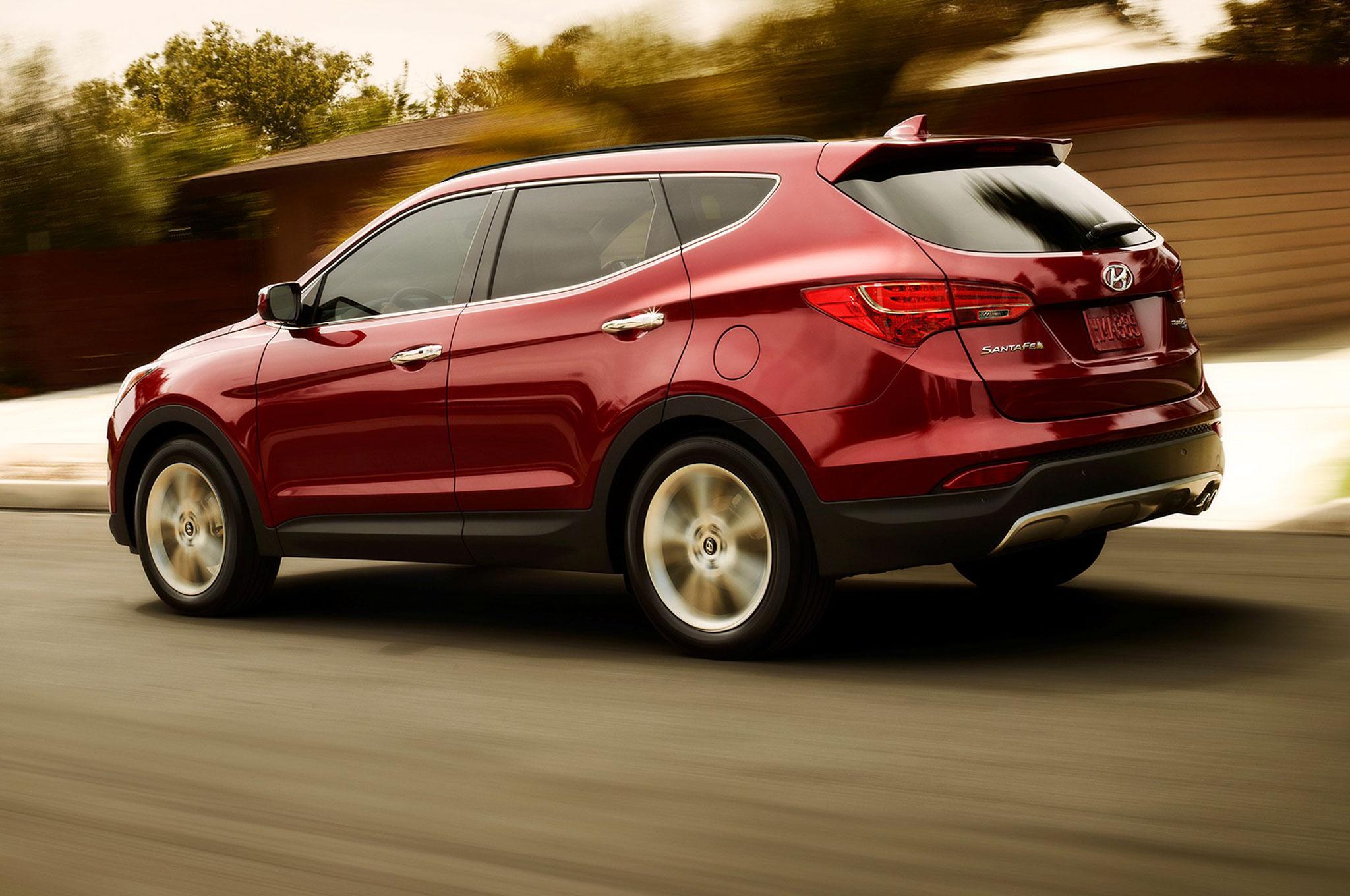 Nissan Rogue Vs Ford Escape >> Comparison - Hyundai Santa Fe Sport 2015 - vs - Toyota RAV4 SUV 2015 | SUV Drive