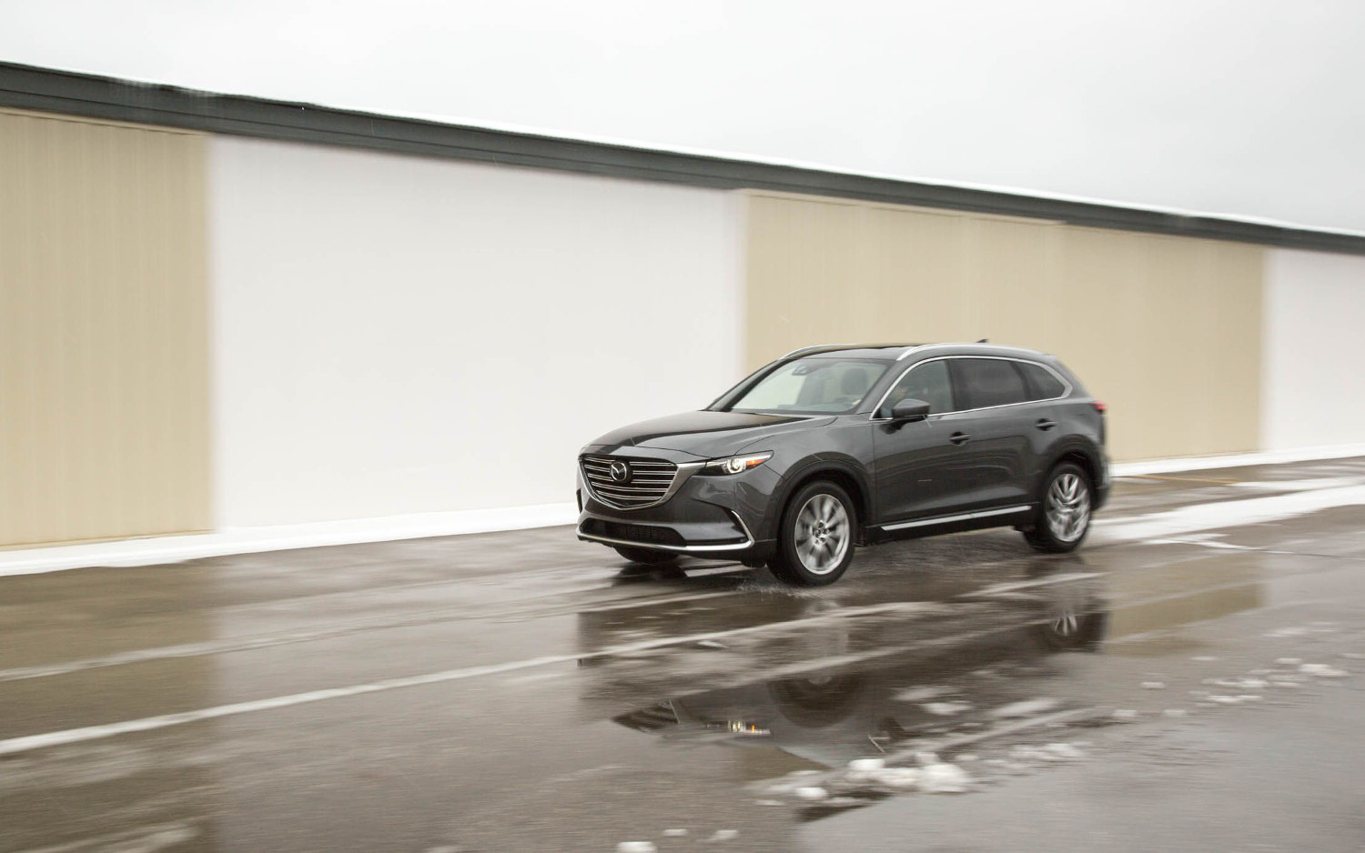 Comparison - Mazda CX-9 Grand Touring 2018 - vs - Jaguar F ...